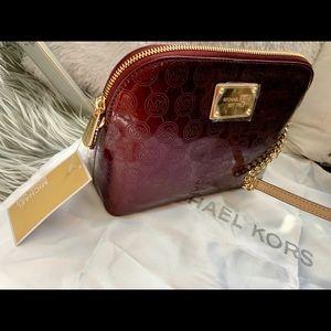 MICHAEL Michael Kors Bags - BRAND NEW. Michael Kors Cindy large dome crossbody